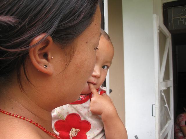 Madres adolescentes dan a luz a 81 de cada 1.000 bebés nacidos en Nepal. Crédito: Mallika Aryal/IPS
