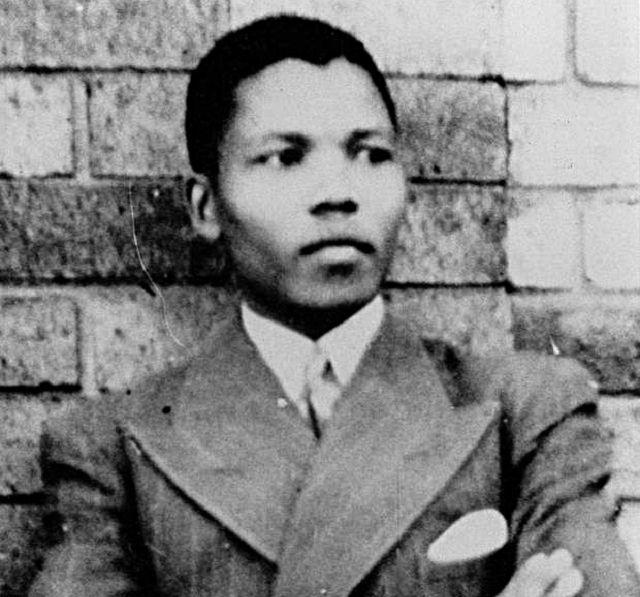 Nelson Mandela en 1937. Crédito: Dominio Público