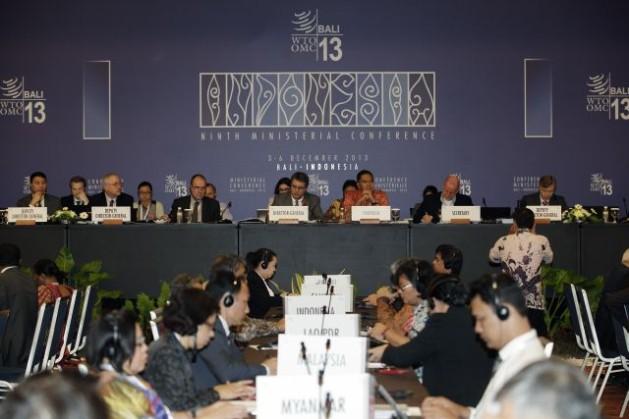 Segundo día de sesiones de la conferencia ministerial de la OMC en Bali, Indonesia. Crédito: © WTO/ANTARA