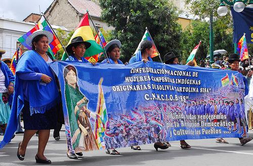 Mujeres campesinas e indígenas de todas las regiones de Bolivia durante una manifestación en La Paz. Crédito: Franz Chávez /IPS