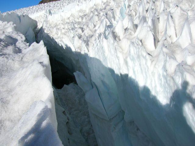 Glaciar El Morado Superior, en la Cordillera de los Andes y en la zona central de Chile. Crédito: Orlando Ruz/IPS