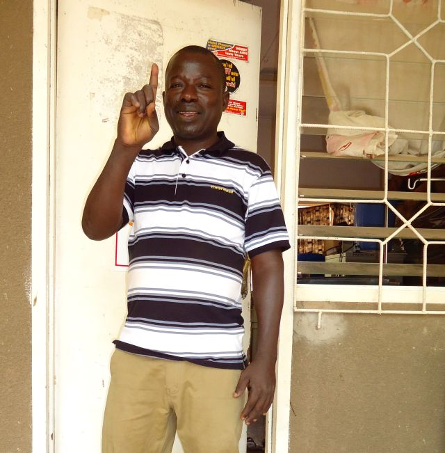 El activista Sulemana Sulley vive positivamente y enseña a otros a hacerlo. Crédito: Albert Oppong-Ansah/IPS
