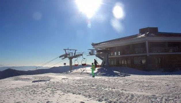 Un nuevo centro de esquí inaugurado el año pasado en Corea del Norte atrae a muchos turistas. Crédito: Koryo Tours, Beijing.
