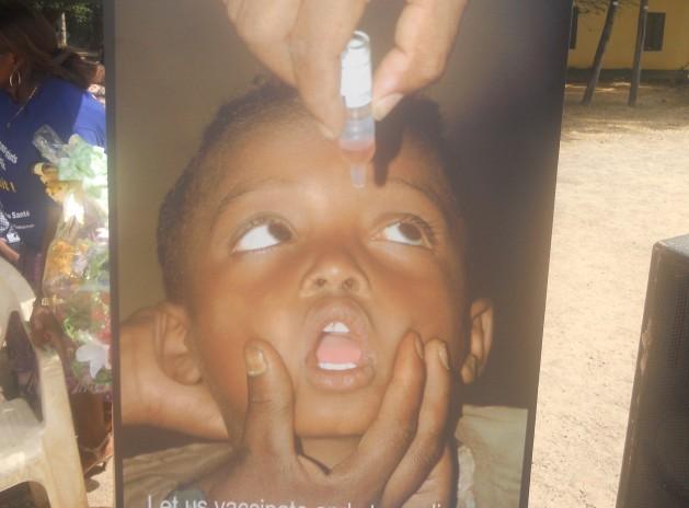 Póster para promover la vacunación contra el rotavirus en Camerún. Crédito: Monde Kingsley Nfor/IPS.