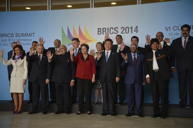 Los mandatarios de las cinco potencias emergentes del BRICS escenificaron en Brasilia  su creciente vinculación con los gobernantes de América del Sur. Crédito: Agencia de Brasil/EBC