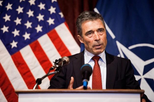 Anders Fogh Rasmussen, secretario general de la OTAN, se dirige al público en Austin, Estados Unidos. Crédito: DVIDSHUB/Fuerzas Militares de Texas/Foto del sargento Eric Wilson/CC-BY-2.0