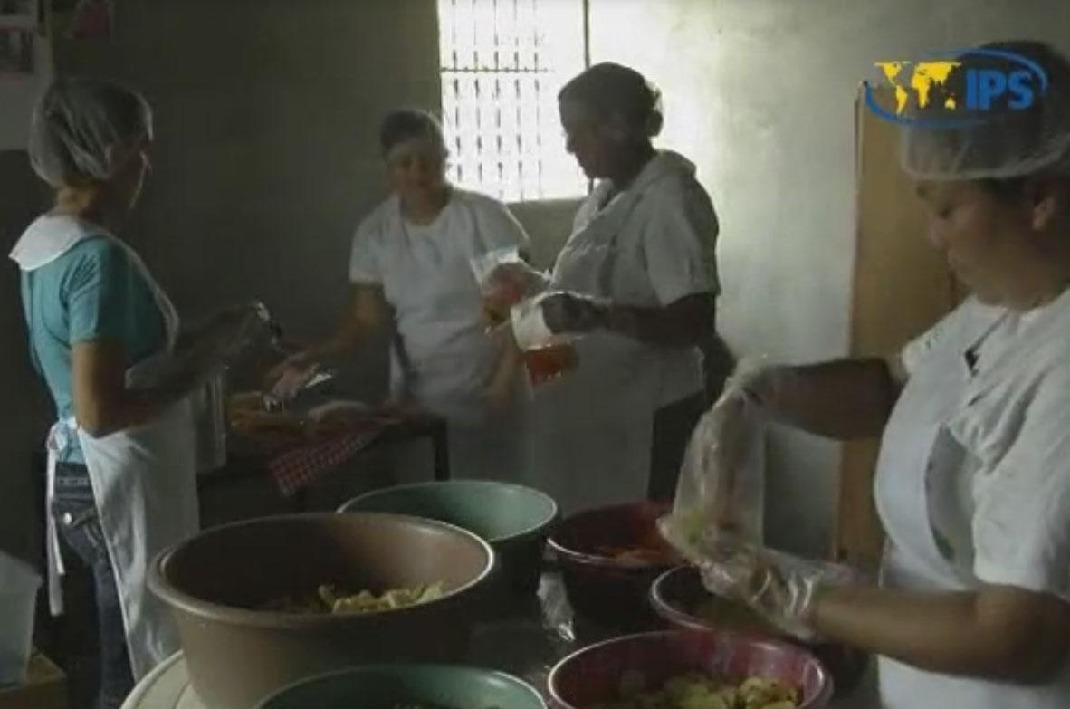 Las mujeres de San Isidro, un pueblo de 11.000 habitantes del norte de El Salvador, han sido las protagonistas de las exitosas movilizaciones de las comunidades contra la actividad minera en el país.