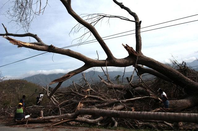 El Fondo Verde para el Clima financiará las políticas de adaptación y mitigación de los países en desarrollo ante el cambio climático, que produce fenómenos meteorológicos extremos. La imagen muestra la destrucción que provocó en 2012 el huracán Sandy en Santiago de Cuba. Crédito: Jorge Luis Bolaños/IPS