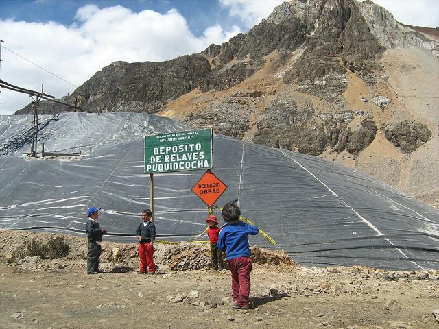 Niños expuestos a la contaminación minera en Perú. Crédito: MIlagros Salazar/IPS