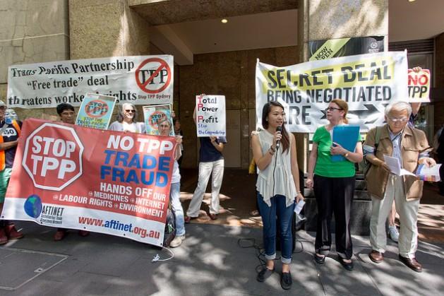 Manifestación durante negociaciones del TPP en Sydney, el 25 de octubre de 2014. Crédito: SumOfUs/cc by 2.0