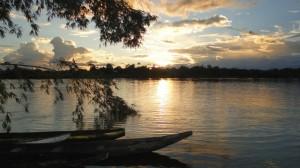 El río Pirá Paraná, también conocido como Apoparis, un afluente del río Amazonas, a su paso por la comunidad indígena de San Miguel, en el departamento colombiano de Vaupés. América Latina cuenta con 30 por ciento del agua dulce del mundo. Crédito: María Cristina Vargas/IPS