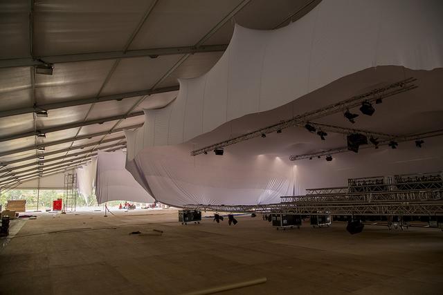 Área de exhibición, aún sin terminar, que integra las instalaciones temporales que el país anfitrión ha construido en Lima para albergar la COP 20, entre el 1 y el 12 de diciembre. Crédito: COP20 Perú