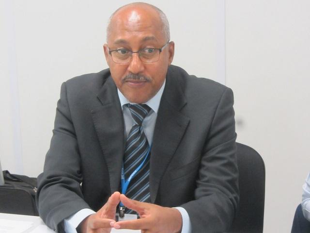 """""""En nuestra opinión, los países desarrollados están incumpliendo, abandonando y debilitando al Protocolo de Kyoto"""", afirmó Nagmeldin El Hassa, presidente del Grupo de África en la COP 20 en Lima. Crédito: Wambi Michael/IPS"""
