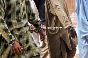 El gobierno de Pakistán anunció que ejecutará a unos 500 presos en las próximas semanas como venganza por el atentado contra la escuela de Peshawar donde murieron 148 personas, en su mayoría niños. Crédito: Fahim Siddiqi/IPS
