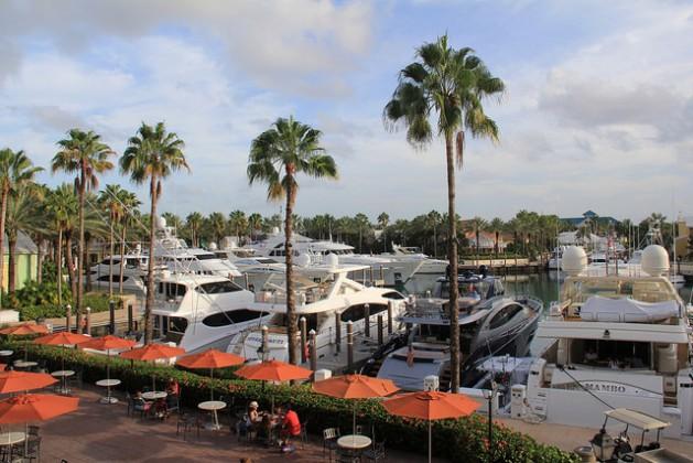 Bahamas se centra en las fuentes renovables de energía mientras intenta preservar el turismo. Crédito: Kenton X. Chance/IPS