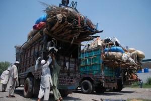La mayoría de los aproximadamente tres millones de refugiados afganos en Pakistán cruzaron la frontera en 1979 durante la invasión soviética de su país. Crédito: Ashfaq Yusufzai/IPS