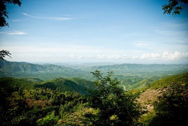 El camino a Baradares en la zona centro-septentrional de Haití. El objetivo del proyecto de ley sería la expansión masiva del sector minero en el país. Crédito: Lee Cohen/cc by 2.0