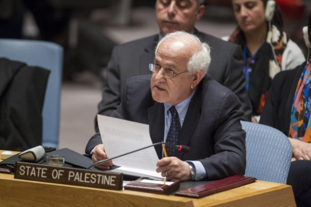 Riyad H. Mansour, observador permanente del Estado de Palestina ante la ONU, se dirige al Consejo de Seguridad después de la votación. Crédito: Foto de la ONU/Loey Felipe