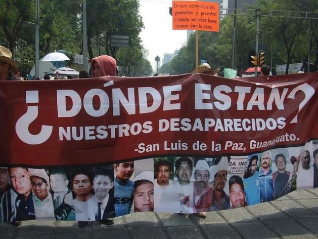 Una de las marchas de madres de desaparecidos en el centro de Ciudad de México. Crédito: Daniela Pastrana/IPS