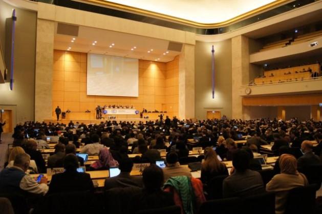 Las negociaciones climáticas de la ONU en la ciudad suiza de Ginebra, durante su sesión inaugural. Crédito: Jenny López-Zapata/IPS