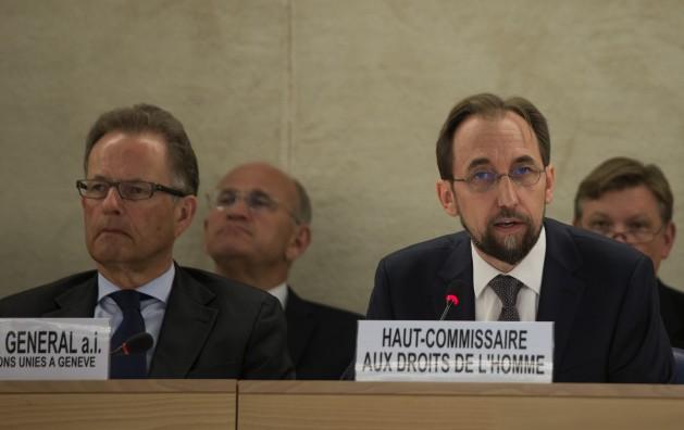 El Alto Comisionado de la ONU para los Derechos Humanos, Zeid Raad al Hussein (derecha), en septiembre de 2014. Crédito: Misión de Estados Unidos en Ginebra / Eric Bridiers