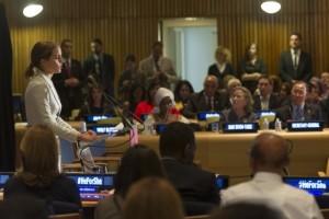 La actriz británica y embajadora de buena voluntad de ONU Mujeres, Emma Watson habla en la Organización de las Naciones Unidas en septiembre de 2014. Crédito: ONU/Mark Garten.