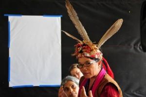 Maridiana Deren, ambientalista de Kalimantan, en Indonesia, dice que las compañías productoras de aceite de palma destruyen el estilo de vida ancestral de las poblaciones indígenas. Crédito: Amantha Perera/IPS