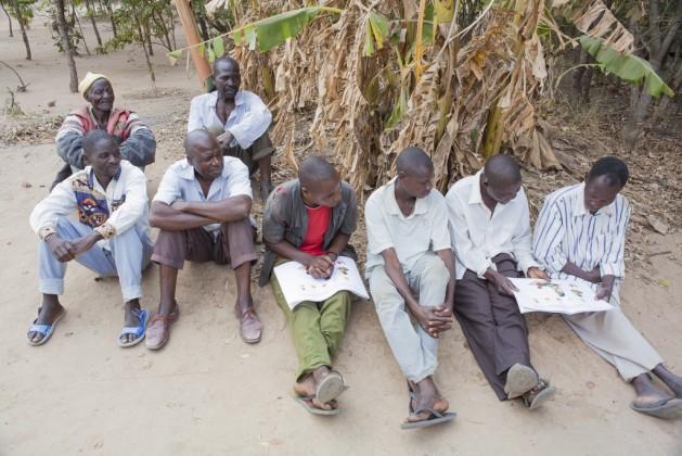 La pequeña agricultura, orientada a la subsistencia, no suele ser la opción preferida de trabajo de muchos jóvenes africanos. Crédito: FAO