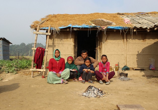 La contaminación del aire en espacios interiores afecta a unos 22 millones de personas en Nepal. Crédito: Mallika Aryal/IPS