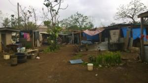Los asentamientos informales de Port Vila, caracterizados por sus viviendas vulnerables, fueron devastados por el ciclón Pam que azotó a Vanuatu. Crédito: Organización Internacional para las Migraciones.