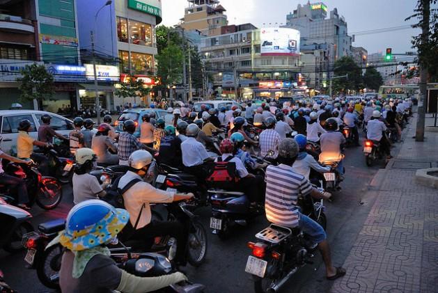De seguir la actual tendencia a la urbanización, podrían haber 500 millones más de personas en las ciudades de Asia Pacífico para 2020. Crédito: Padmanaba01/CC-BY-2.0