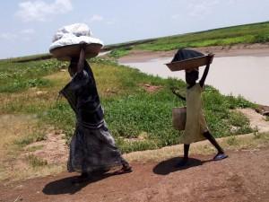 La Comisión Europea busca que los objetivos de desarrollo sostenibles aborden la erradicación de la pobreza y el desarrollo sostenible en sus dimensiones- económica, social y ambiental. Crédito: UNFPA Sudán
