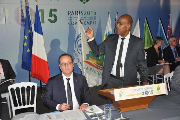El presidente francés, François Hollande, y el presidente del Consejo Regional de Martinica, Serge Letchimy. Crédito: Desmond Brown/IPS