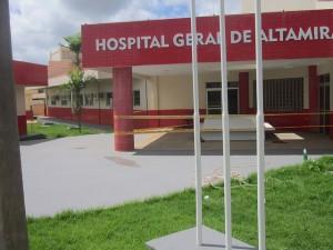Fachada del nuevo Hospital General de Altamira, aún sin inaugurar, que será el más moderno de la esta ciudad amazónica brasileña y recibirá los enfermos más graves de los 11 municipios afectados por la construcción de la central hidroeléctrica de Belo Monte. Crédito: Mario Osava/IPS