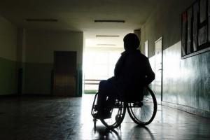 La discapacidad y la pobreza están relacionadas debido a la discriminación, el nivel educativo y el consiguiente desempleo. Crédito: Bigstock.