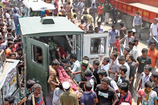 El derrumbe del Rana Plaza, el 24 de abril de 2013, causó la muerte a más de 1.100 obreros textiles y dejó a más de 2.500 heridos. Crédito: Obaidul Arif/IPS