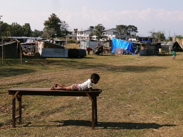 La violencia en India interrumpió el ciclo escolar de cientos de niños como este. Crédito: Priyanka Borpujari/IPS