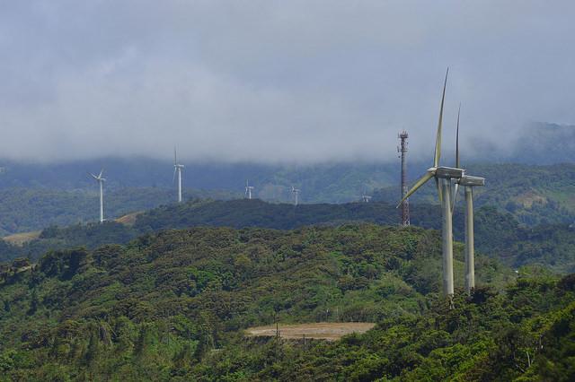 La energía eólica, la geotermia y otras energías limpias son desaprovechadas en América Central.