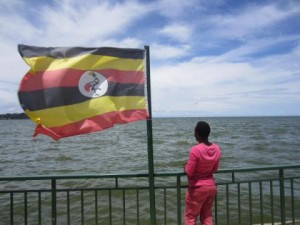 Una mujer transgénero de Uganda en un pueblo cerca de Kampala, poco antes de huir del país por el acoso policial y la violencia que sufrió tras la aprobación de la ley contra la homosexualidad. © 2014 de Human Rights Watch