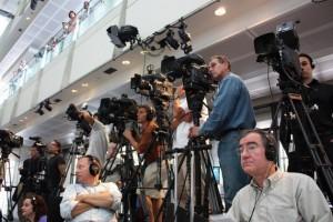 Medios de comunicación presentes en una conferencia de prensa en el museo Newseum, en Washington, el 16 de julio de 2009. Crédito: NASA Goddard Space Flight Center/cc by 2.0