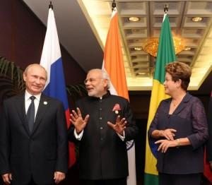 Los jefes de Estado de Rusia, India y Brasil durante la Cumbre del BRICS en 2014. Crédito: Cuenta oficial de Flickr de Narendra Modi / CC-BY-SA-2.0