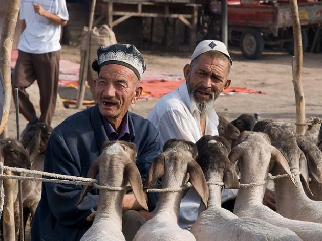 La minoría musulmana uigur en China soporta años de represión del gobierno chino, según organizaciones de derechos humanos. Crédito: Gustavo Jerónimo/CC-BY-2.0