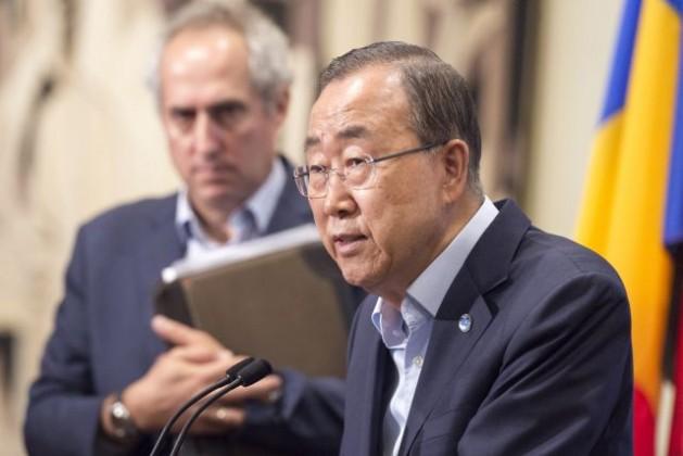 El secretario general de la ONU, Ban Ki-moon, habla con los periodistas el 12 de agosto sobre las acusaciones de explotación y abusos sexuales contra civiles por parte de cascos azules, particularmente en República Centroafricana. Crédito: UN Photo/Eskinder Debebe