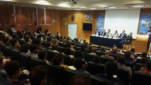 Una de las sesiones de divulgación científica en la Universidad Nacional Autónoma de México sobre el Quinto Informe del Grupo Intergubernamental de Expertos sobre Cambio Climático, donde participaron destacados especialistas latinoamericanos a fines de agosto. Crédito: Diego Arguedas Ortiz/ IPS