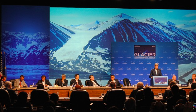 La cumbre de un día celebrada en la ciudad de Anchorage, Estados Unidos, no adoptó los compromisos necesarios para combatir los efectos negativos del calentamiento global en el Ártico. Crédito: Leehi Yona/IPS