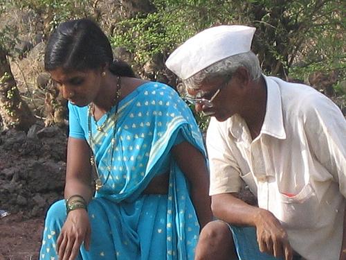 Mujeres que asumieron la jefatura de algunas aldeas del occidental estado indio de Maharashtra lograron un cambio drástico en la vida de sus residentes. Crédito: Daksha Warty/IPS.
