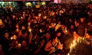 Protestas masivas en India en 2012 porque las mujeres temen ser violadas cuando salen de sus casas. Crédito: Sujoy Dhar/IPS.