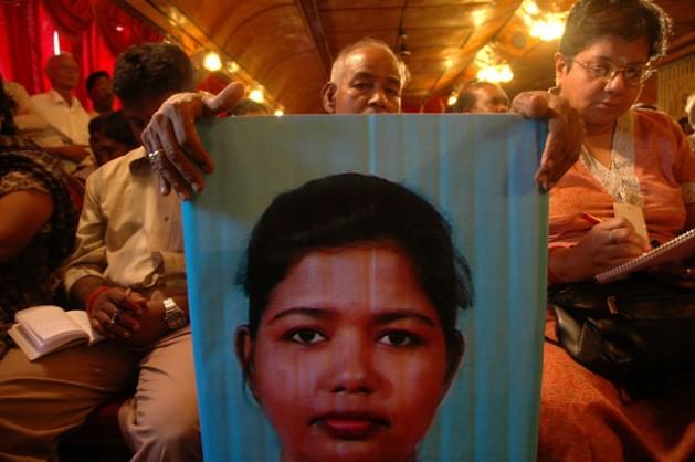 Las historias sobre las personas desaparecidas durante la guerra civil que sufrió Sri Lanka todavía atormentan al país seis años y medio después de terminado el cruento conflicto. Crédito: Amantha Perera/IPS.