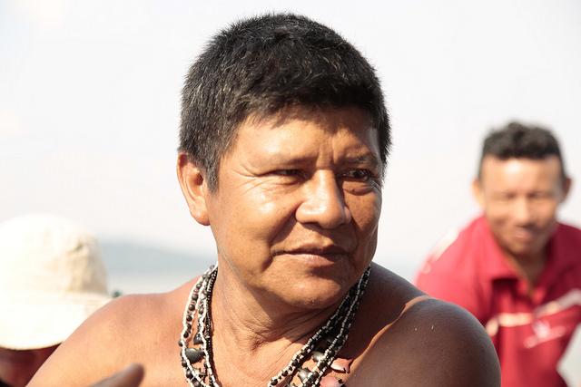 Cacique de aldea Sawré Muybu, Juarez Saw, en el curso medio del río Tapajós, entre los municipios de Itaituba y Trairao, estado de Pará, Brasil. Crédito: Gonzalo H. Gaudenzi/IPS.