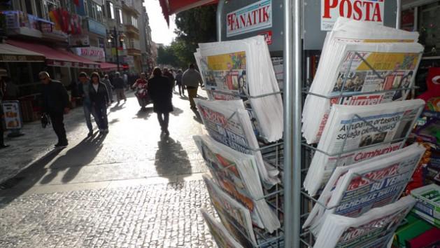 Kiosco de prensa en el barrio de Kadikoy, en Estambul. Crédito: Joris Leverink / IPS